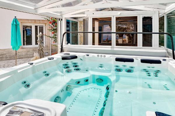 Villa Ocean View in Portals Nous für 10