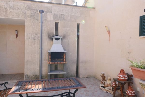 Finca Esvinyet in Petra für 16
