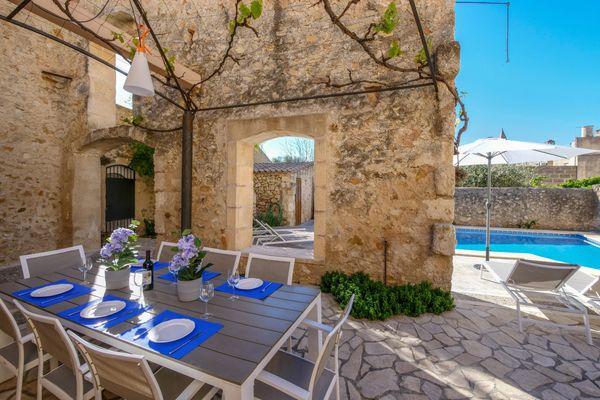 Vella Casa in Vilafranca de Bonany für 8