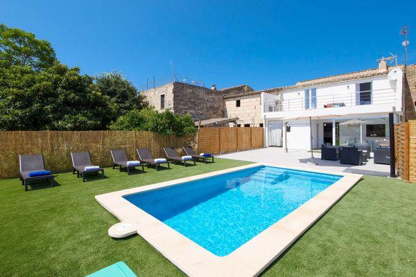 Casa Can Miquel Porro in Llubi für 8